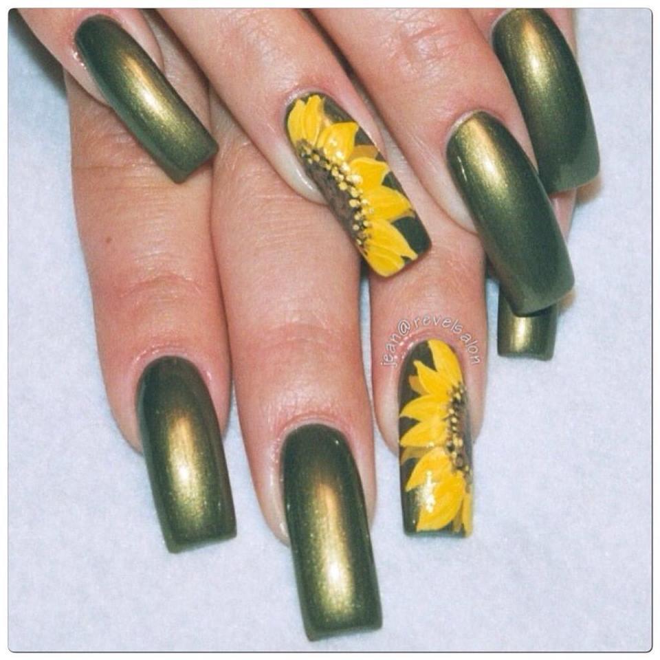 Green Sunflower Nail Design Blurmark