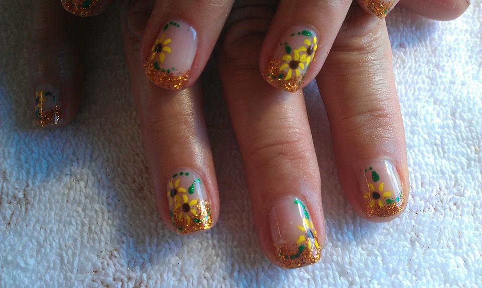 88 Amazing Sunflower Nail Art Design For This Summer 2017