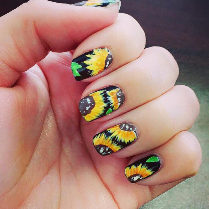 Trendy-Sunflower-Nail-Art-for-Long-Nails - Trendy-Sunflower-Nail-Art-for-Long-Nails - Blurmark