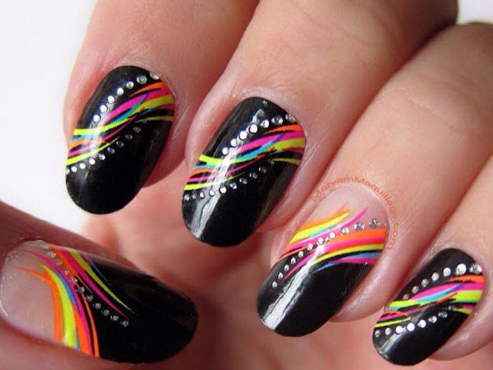 Дизайн ногтей абстракция лето