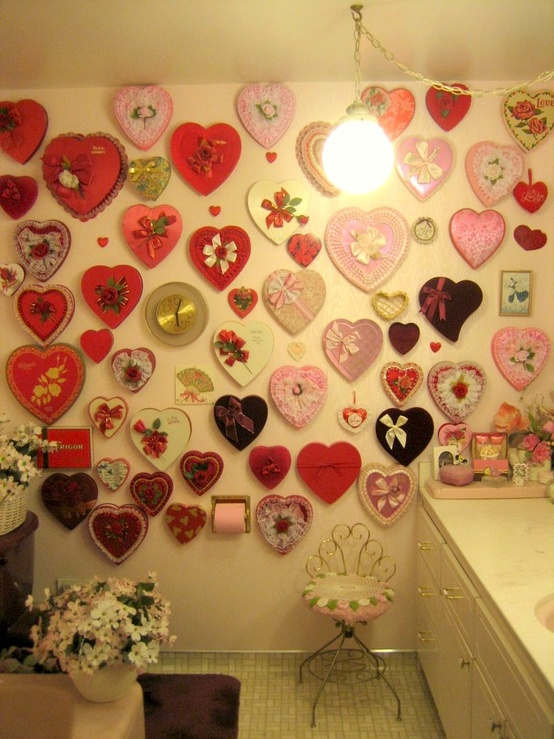 35 romantic bathroom d cor ideas for valentine s day blurmark for Room in your heart living in a box