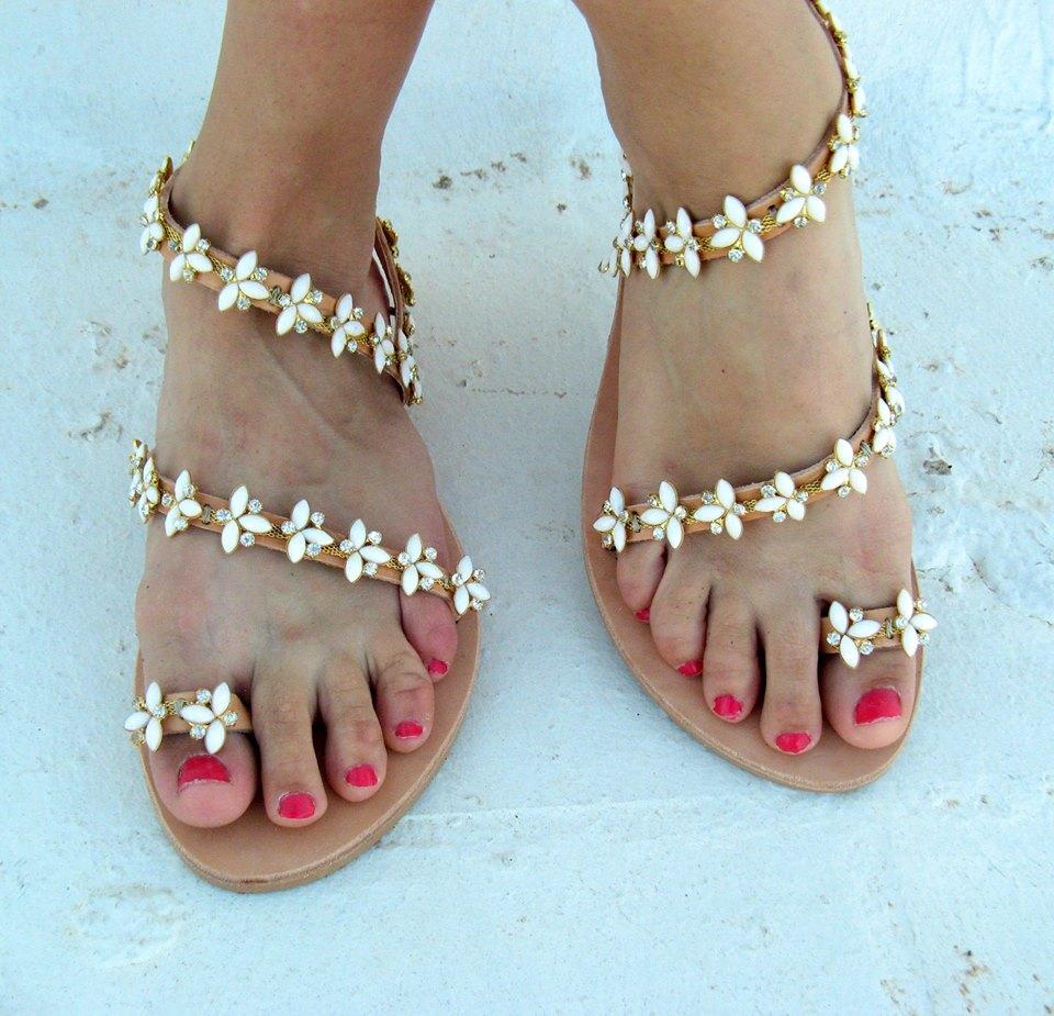 44 Chic Wedding Shoes Ideas For A Beach Wedding