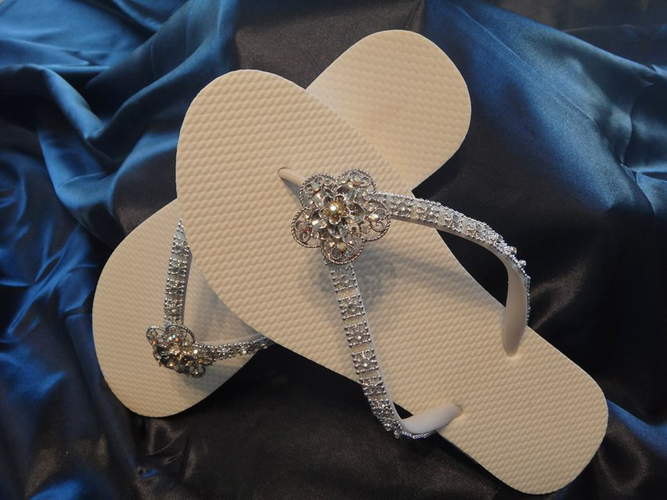 Faux Diamond Straps Topped With a Rhinestone Center.