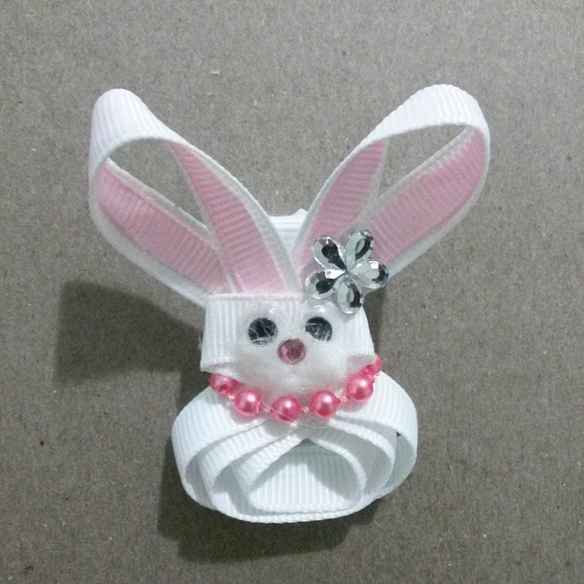 Chic Easter Bunny Clippie