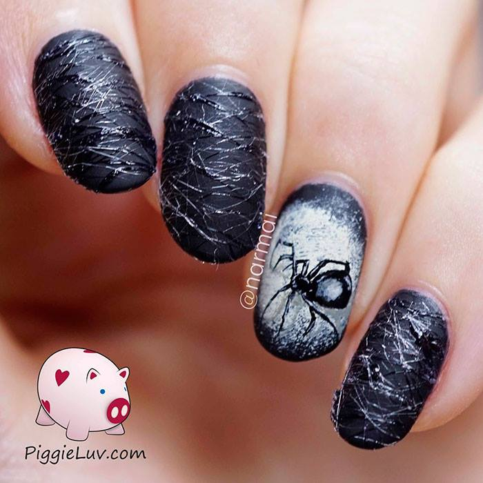 Creepy Hallowee Nail Art