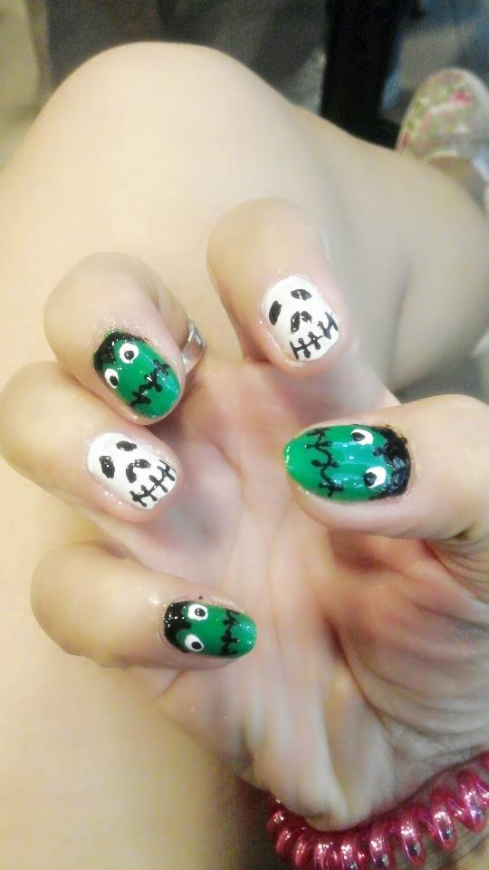 Lovely Halloween NAils