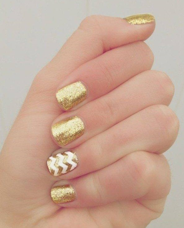 Alluring Nail Art Ideas With Gold Foil You Can Easily Copy