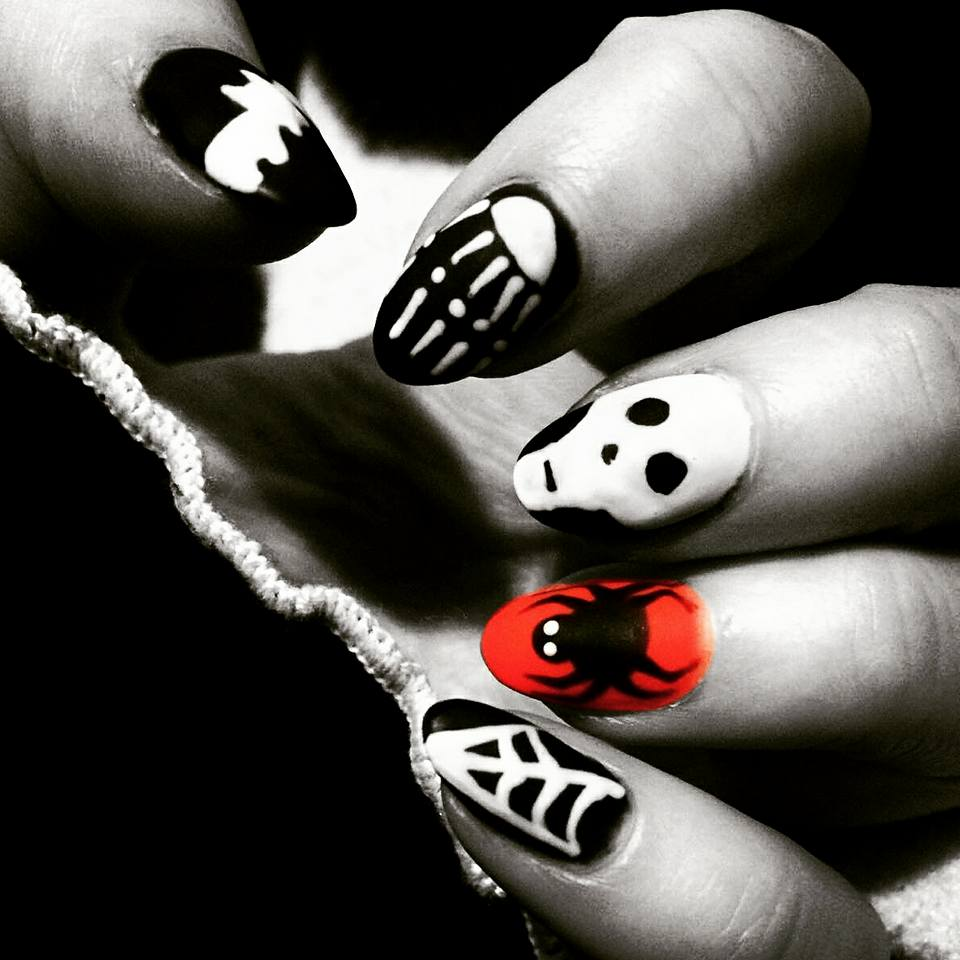 Scary Halloween Nail Art
