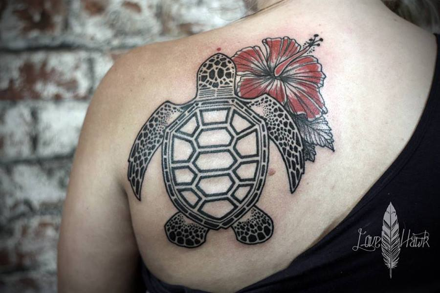 62 turtle tattoos for women that depict beauty and peace. Black Bedroom Furniture Sets. Home Design Ideas