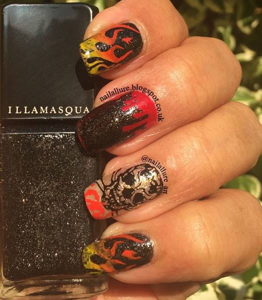 Skull And Dripping Blood Halloween Nails