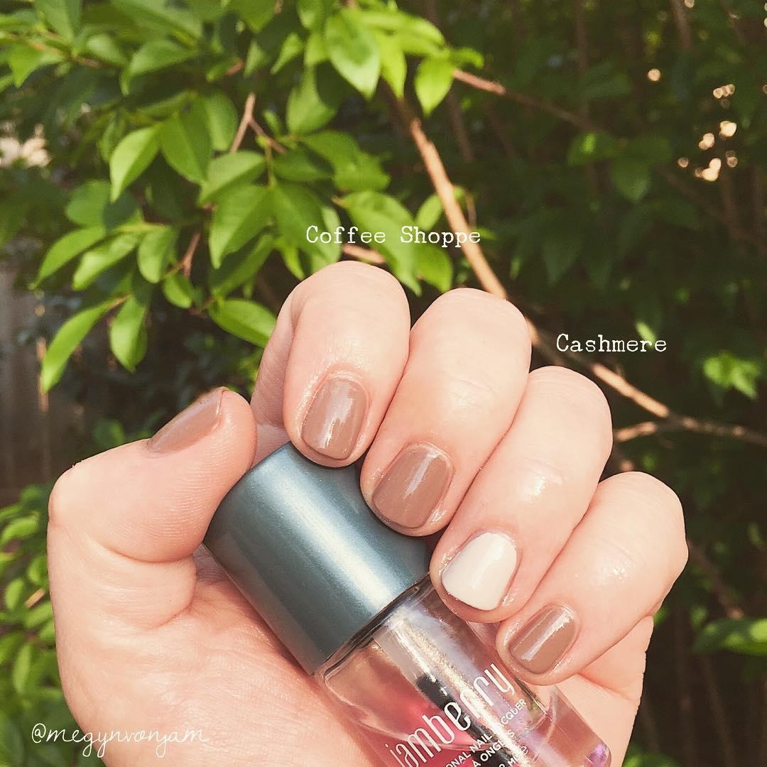 Beautiful Neutral Nails
