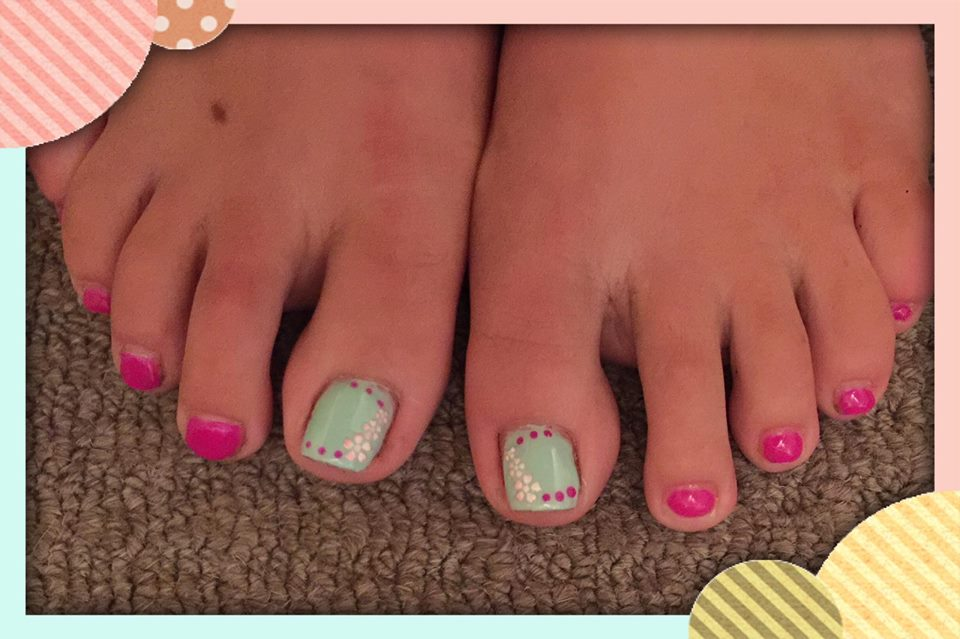 Flower Toes Nail Art