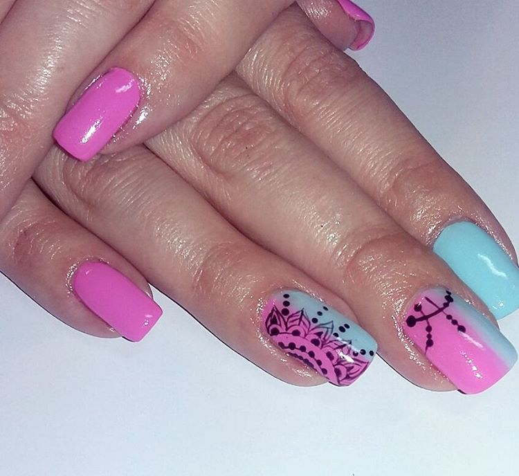 Hand Panted Pink And Blue Nails - Blurmark