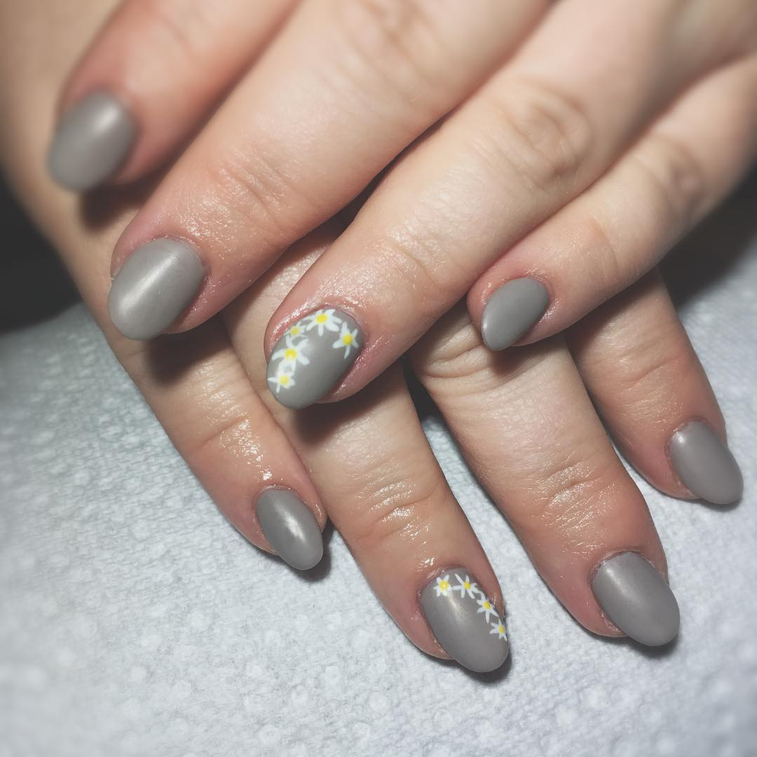 Matte Flower Neutral Nails