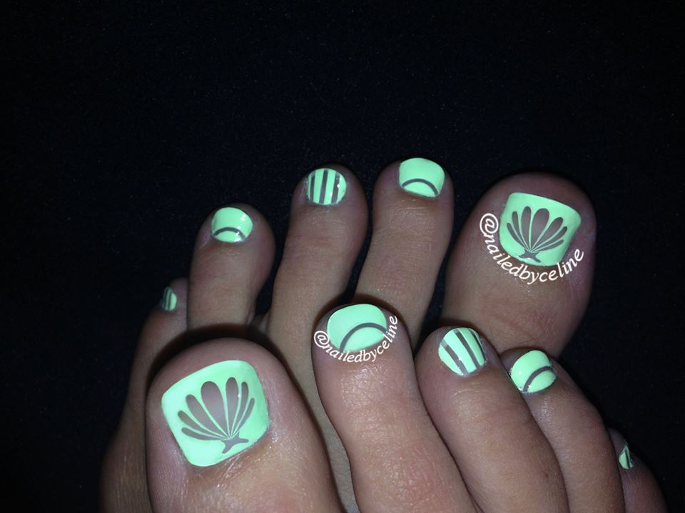 Neon Negative Space Toes Nail Art