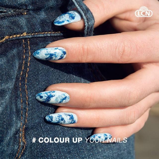 Ocean Blue Nails