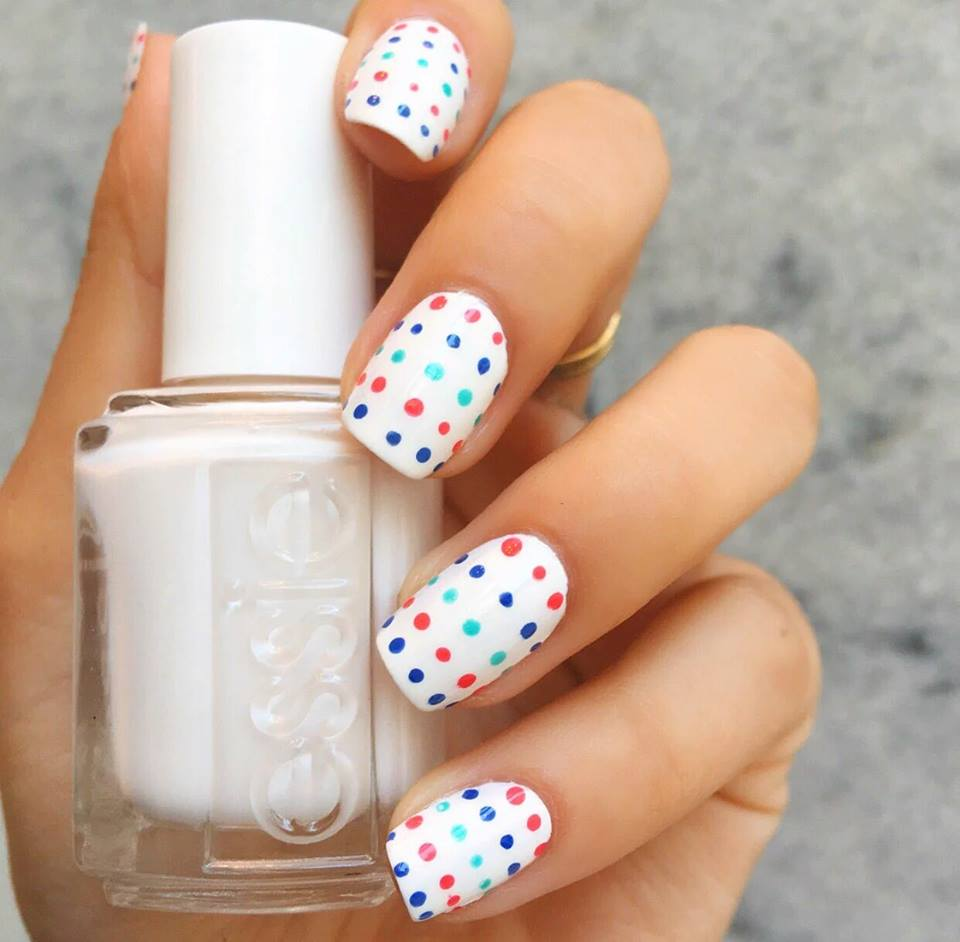 Polka Dots White Nails