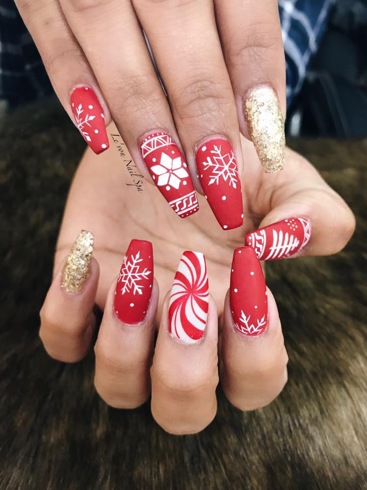 red hand painted christmas nail art