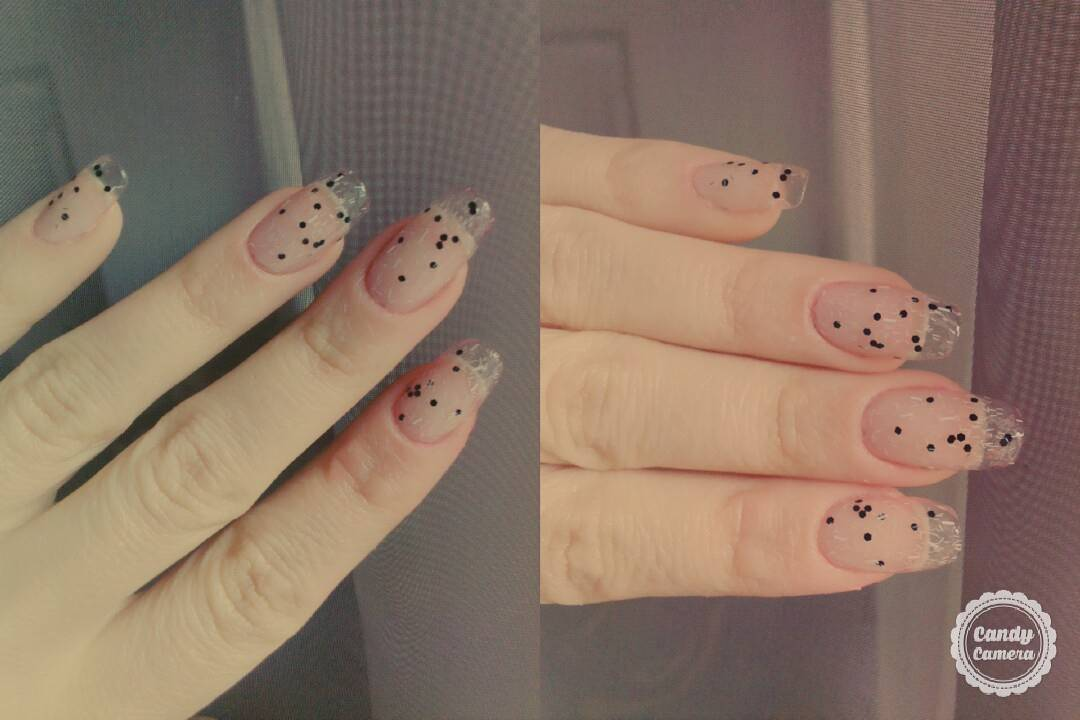 61 Simple Polka Dot Nail Art Designs For Beginners And