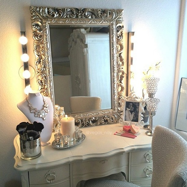 55 Great Makeup Vanity Decor Ideas To Adorn Your Home In Style