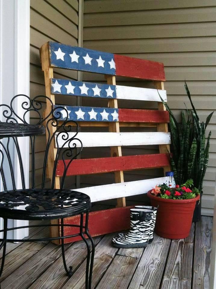 DIY Pallet Flag