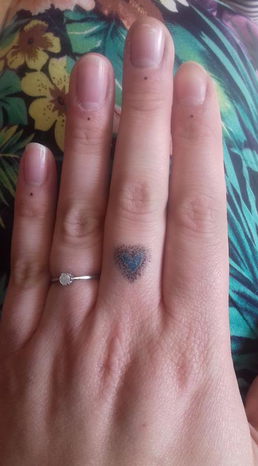 67 different finger tattoo ideas that look great for Finger tattoos fade