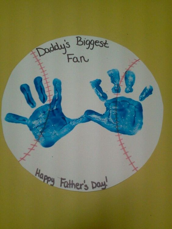 Hand Print Carft Prints On Wooden Plate Kids Friendly Craft