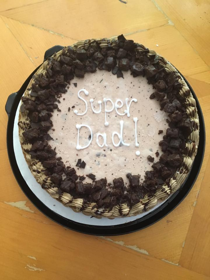 Sweet Ice Cream Cake For this Father's Day