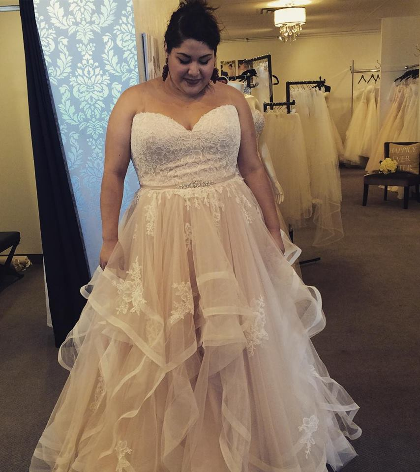 A Line Skirt With Strapless Wedding Gown Has Lace Empire Waist Bodice