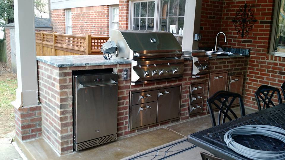 Custom Design Outdoor Kitchen With Brick Wall Eagles