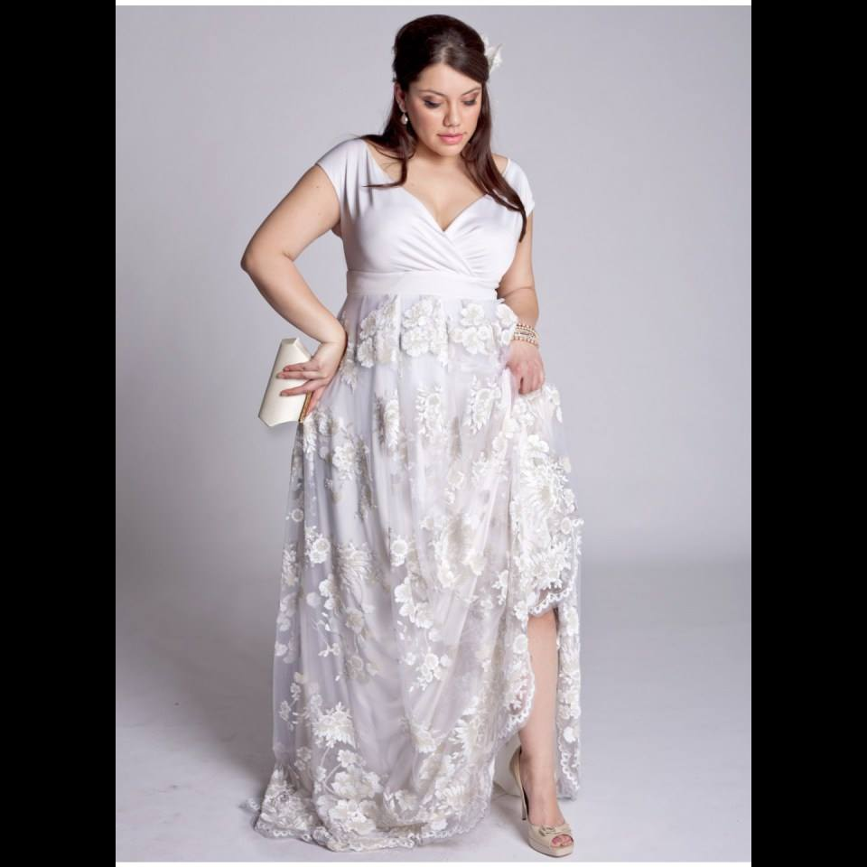 Flowary Vintage Style Plus Size Gown
