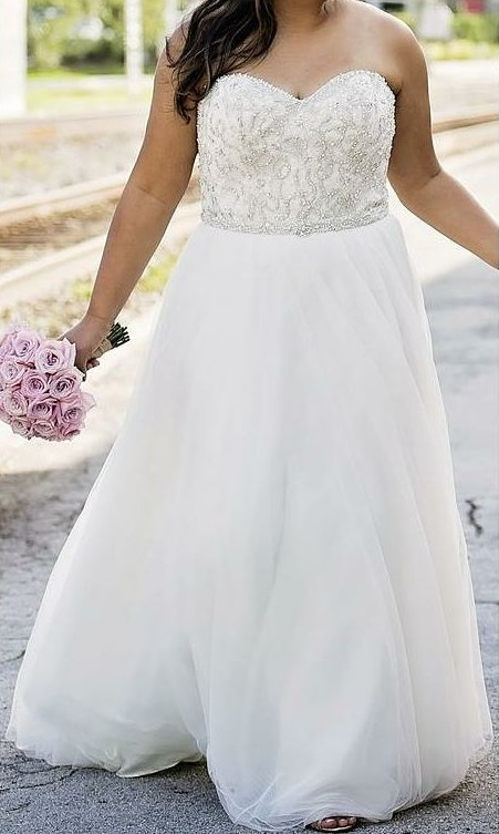 Graceful Strapless Plus Size Wedding Gown