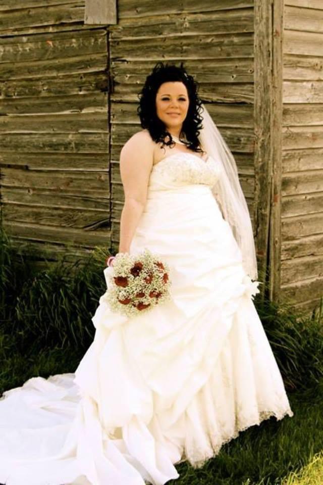 Long Train Vintage Beading Beauiful Plus Size Wedding Dress