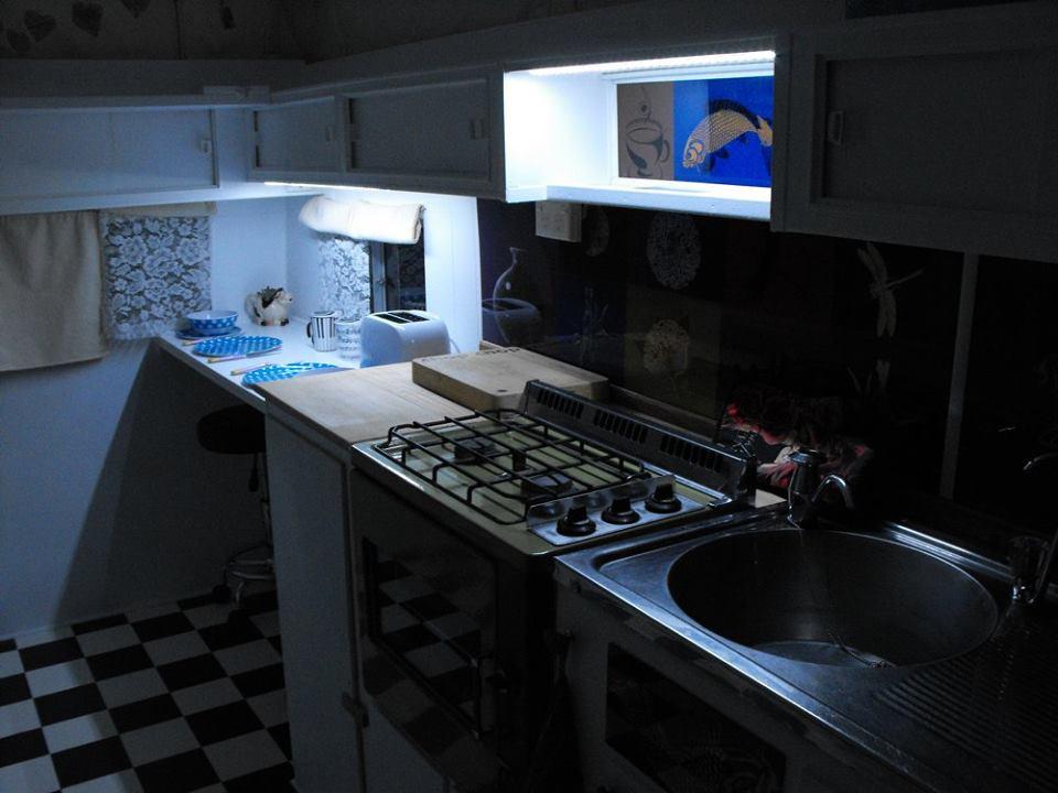Adorably Stylish Revamped Retro Style Kitchen