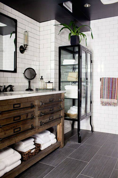 Awesome Black U0026 White Rustic Wood Bathroom Decor