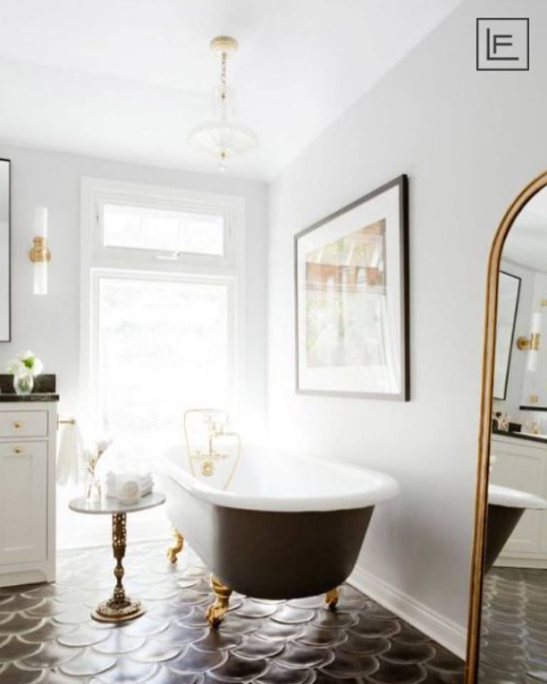 Beautiful Black & White Bathtub, White Cabinet & Accessory