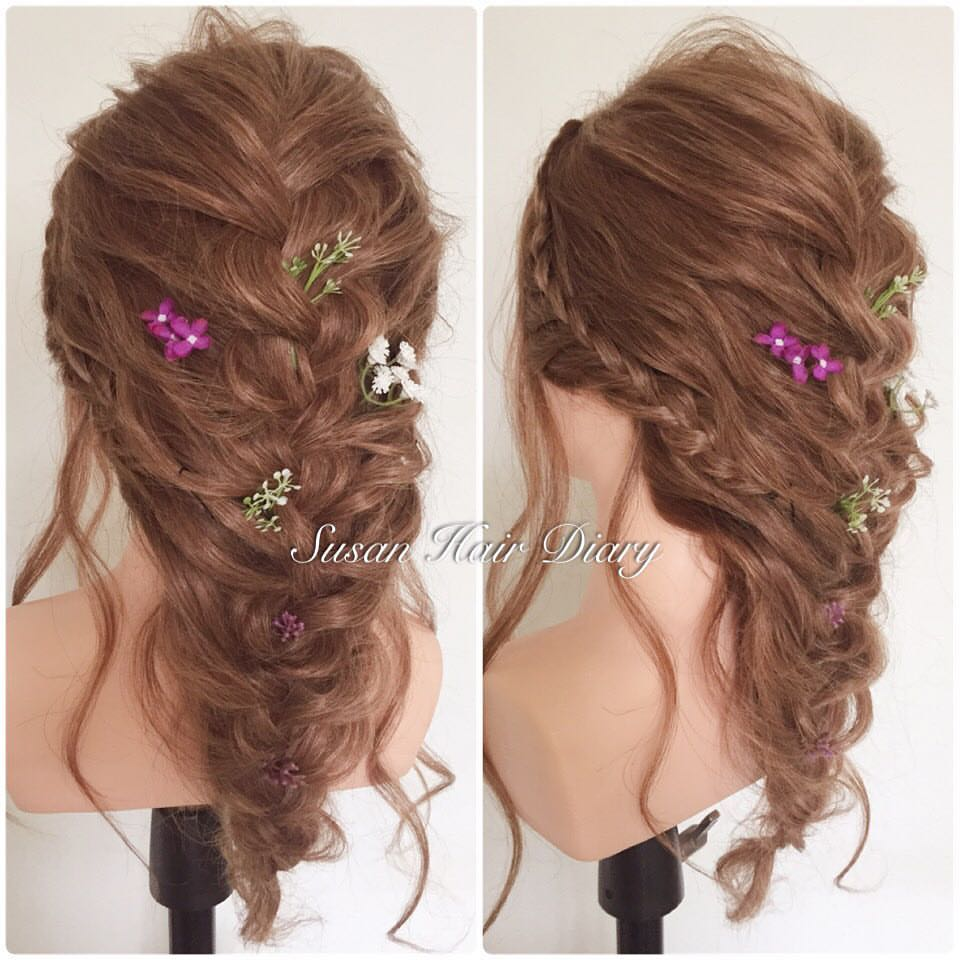 Beautious Loose Braid With Wild Flowers For Romantic Garden Wedding