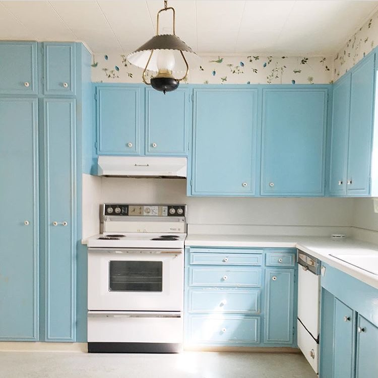 Blue 1962's Kitchen