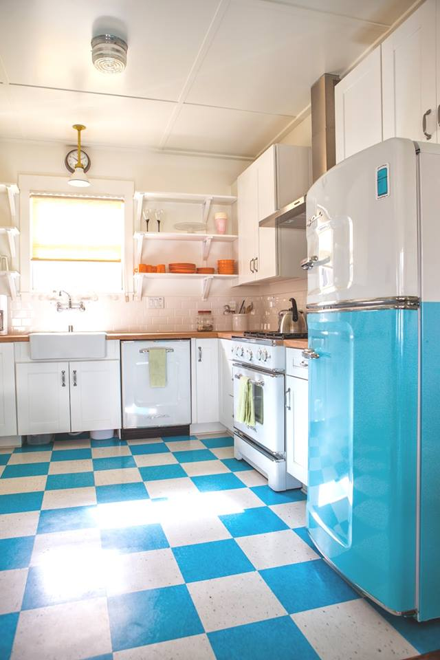 Cool Blue & White Retro Style Kitchen With Matching Accessory