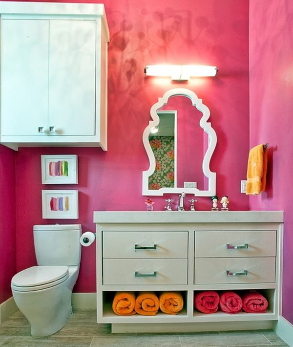 Dazling Colorful Bathroom With Beautiful Mirror