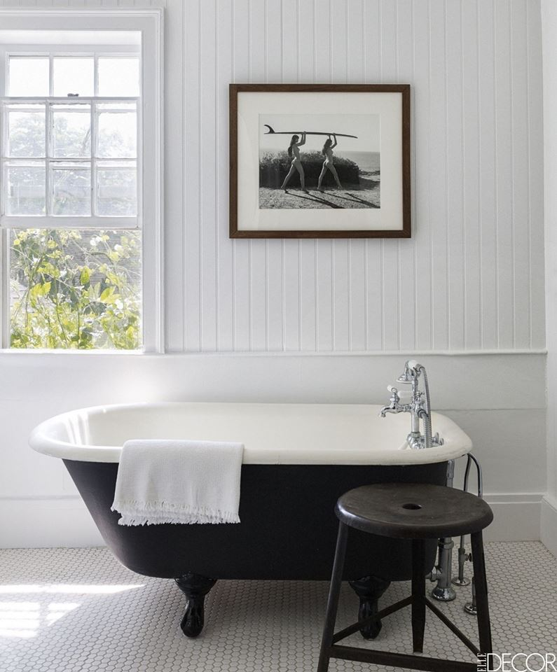 Elegant Black & White Bathroom Decor