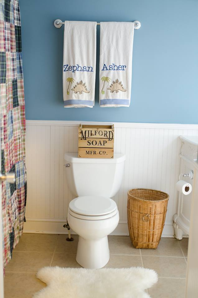 Elegant Kids Bathroom Decor