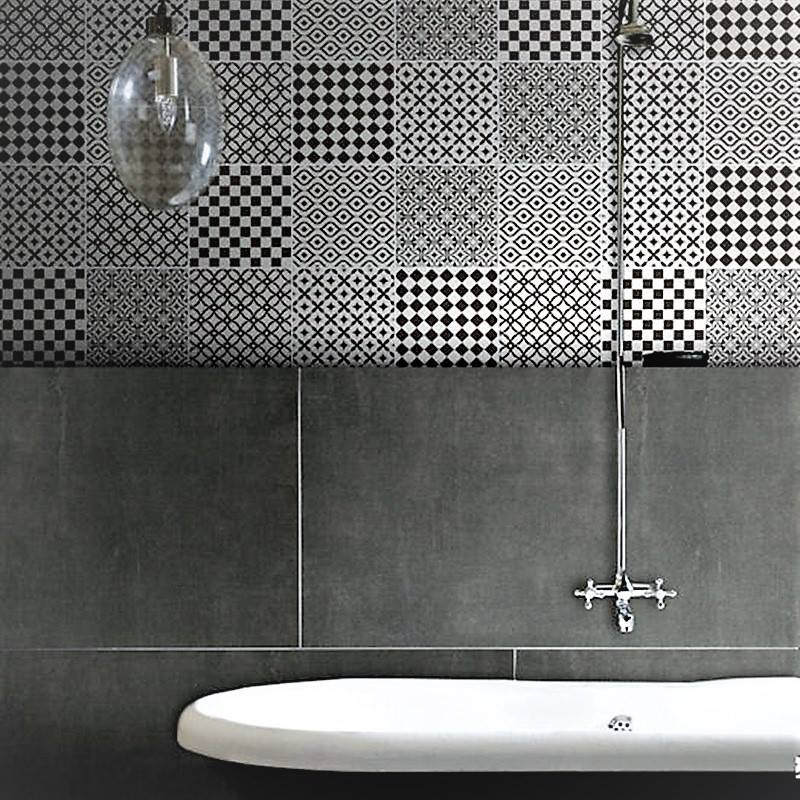 Fabulous Black & White Stylish Tiles, White Bathtub & Light Fixer