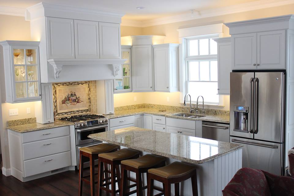 Fabulous Kitchen Countertop With White Cabinets
