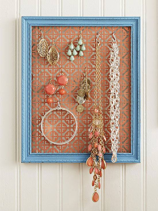 Frame Using Small Hooks Used As Jewelry Storage