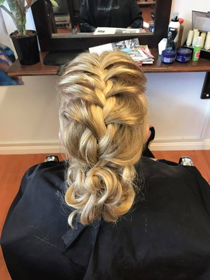 Graceful Idea To Style Loose Braid For Function