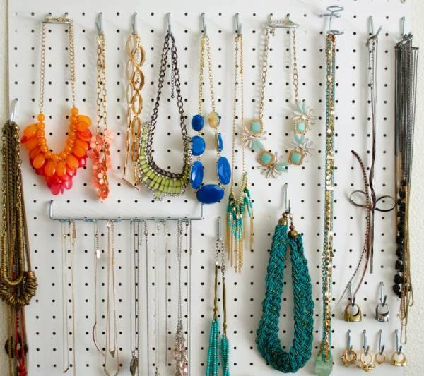 Impressive DIY Jewelry Storage Idea