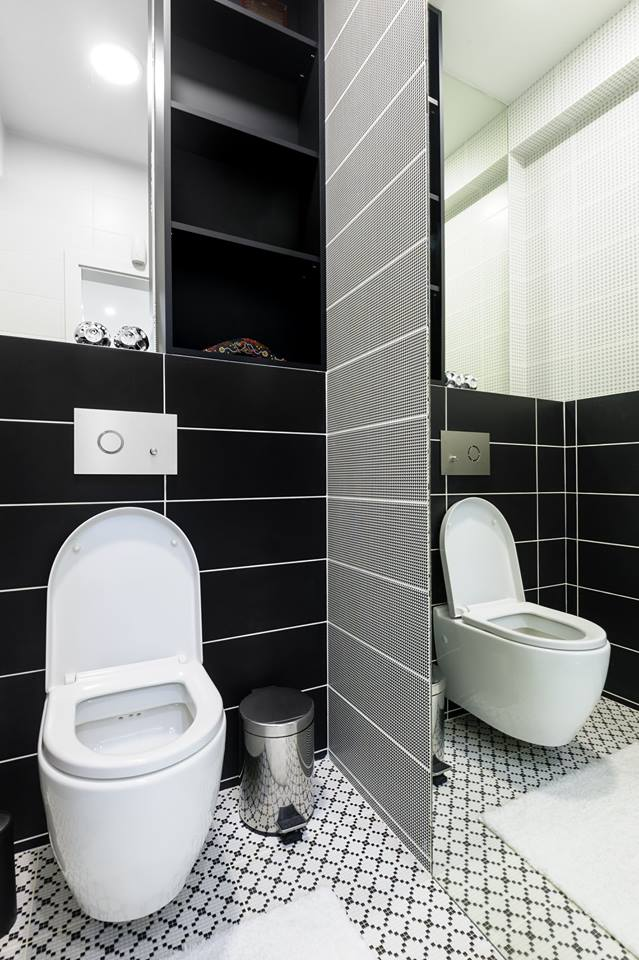 Latest Black & White Modern Small Bathroom