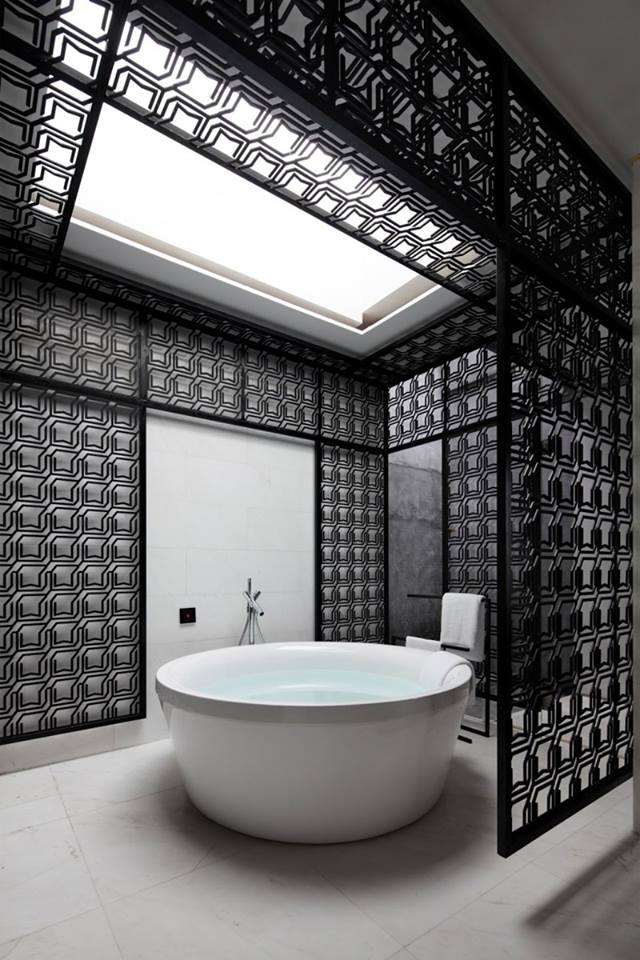 Luxury Black And White Bathroom Combination