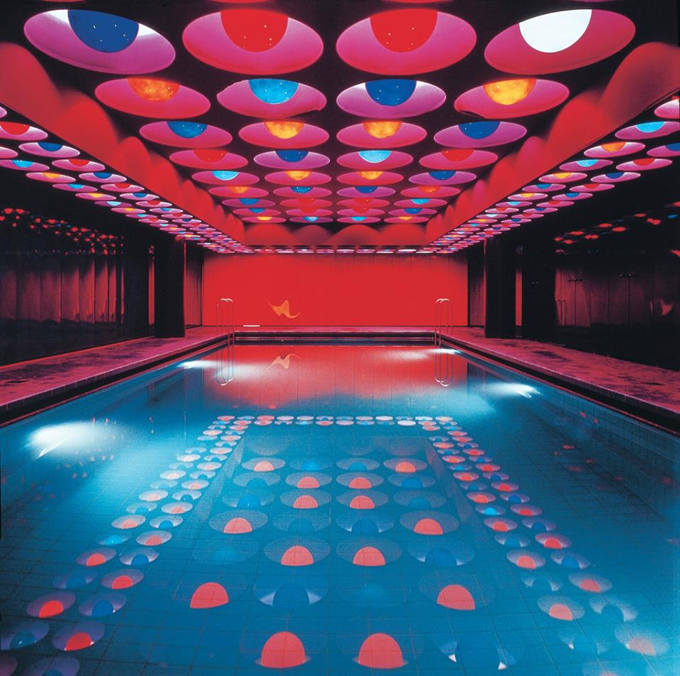 Marvellous Swimming Pool Design With Colorful Lights